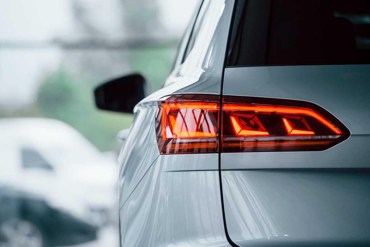 jpm-automobile-concession-garage-voiture-vidange-pneus-reparation-carrosserie-gard-vehicules